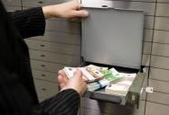 Податківці виявили на Хмельниччині 29 сумнівних операцій на суму 200 мільйонів гривень